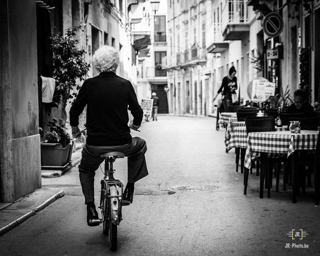 Photo de rue - A Bicyclette